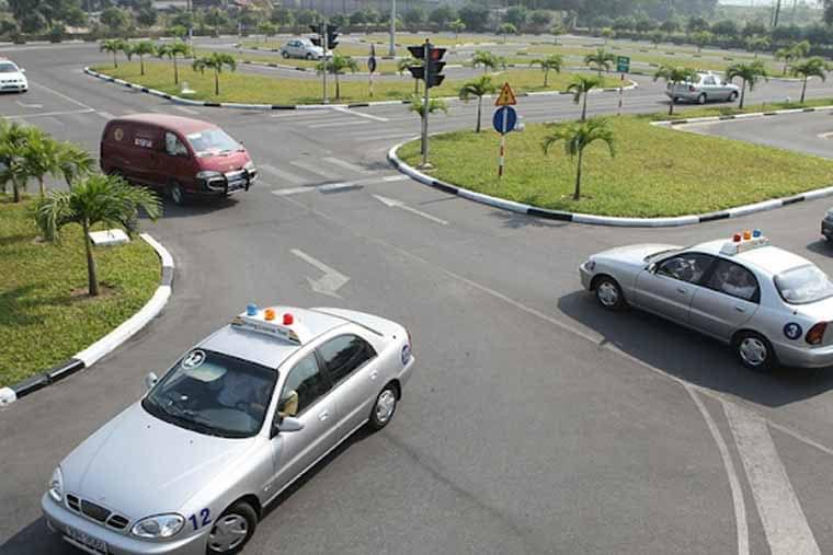Bạn có biết thi bằng lái xe B1 ở đâu tốt nhất tại Hà Nội
