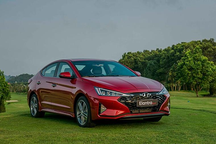 Hyundai Elantra 2020 là dòng xe ô tô giá rẻ có chất lượng tốt