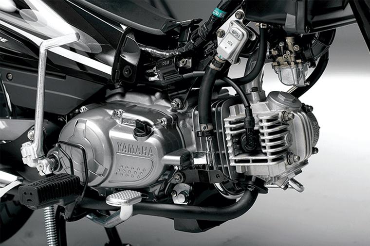Kiểm tra động cơ xe Wave cũ để đảm bảo động cơ còn hoạt động tốt