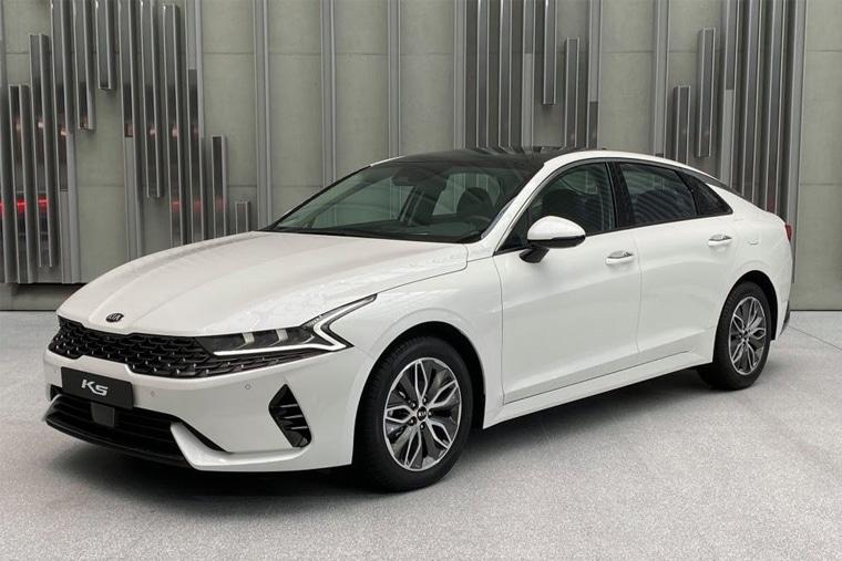 Kia Optima AT 2020 là dòng xe ô tô giá rẻ được thiết kế thanh lịch và hiện đại